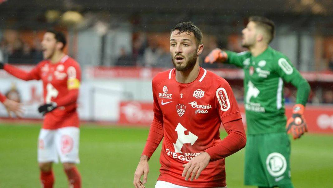 Skandal w szeregach algierskiej kadry narodowej. Reprezentant Algierii pokazał pośladki podczas relacji na żywo z Fortnite swojego kolegi.