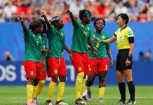 Selekcjonerowi kadry nie podobało się, to co działo się podczas wczorajszego spotkania Anglii z Kamerunem. Neville skrytykował postawę Kamerunek.
