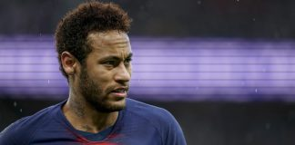 Brazylijski napastnik jest w ogromnym tarapatach. Neymar został oskarżony o gwałt na kobiecie. Piłkarz miał dopuścić się tego w paryskim hotelu.