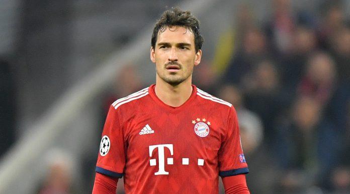 Jak informuje Bild Mats Hummels przeniesie się do Borussii. Transfer ten byłby powrotem piłkarza na stare śmieci, gdyż występował wcześniej w tym klubie.
